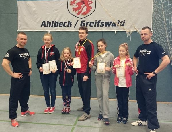 Komplet medali w niemieckim Alhbeck