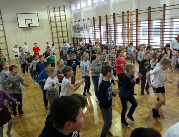 Pokazy w Szkole Podstawowej w Witaszycach